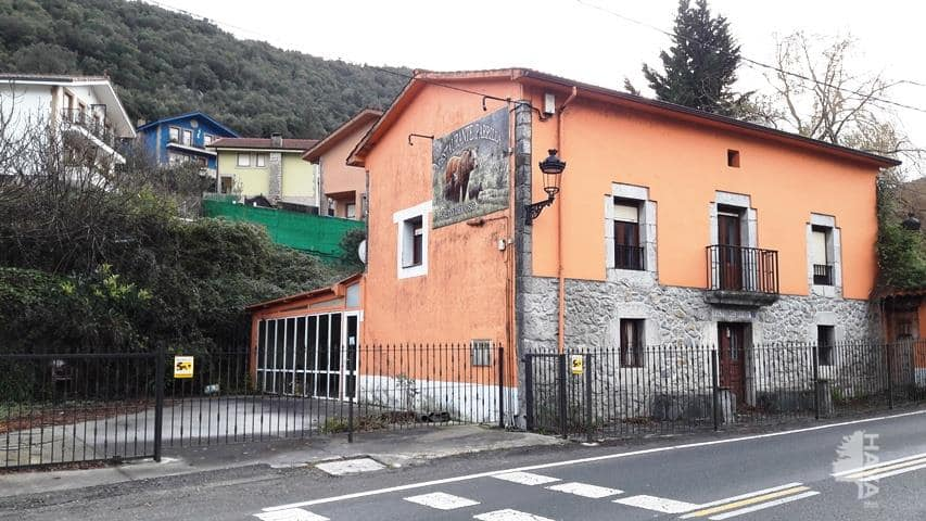Casa en venta en Ramales de la Victoria, Ramales de la Victoria, Cantabria, Calle Salto del Oso, 156.900 €, 4 habitaciones, 1 baño, 360 m2