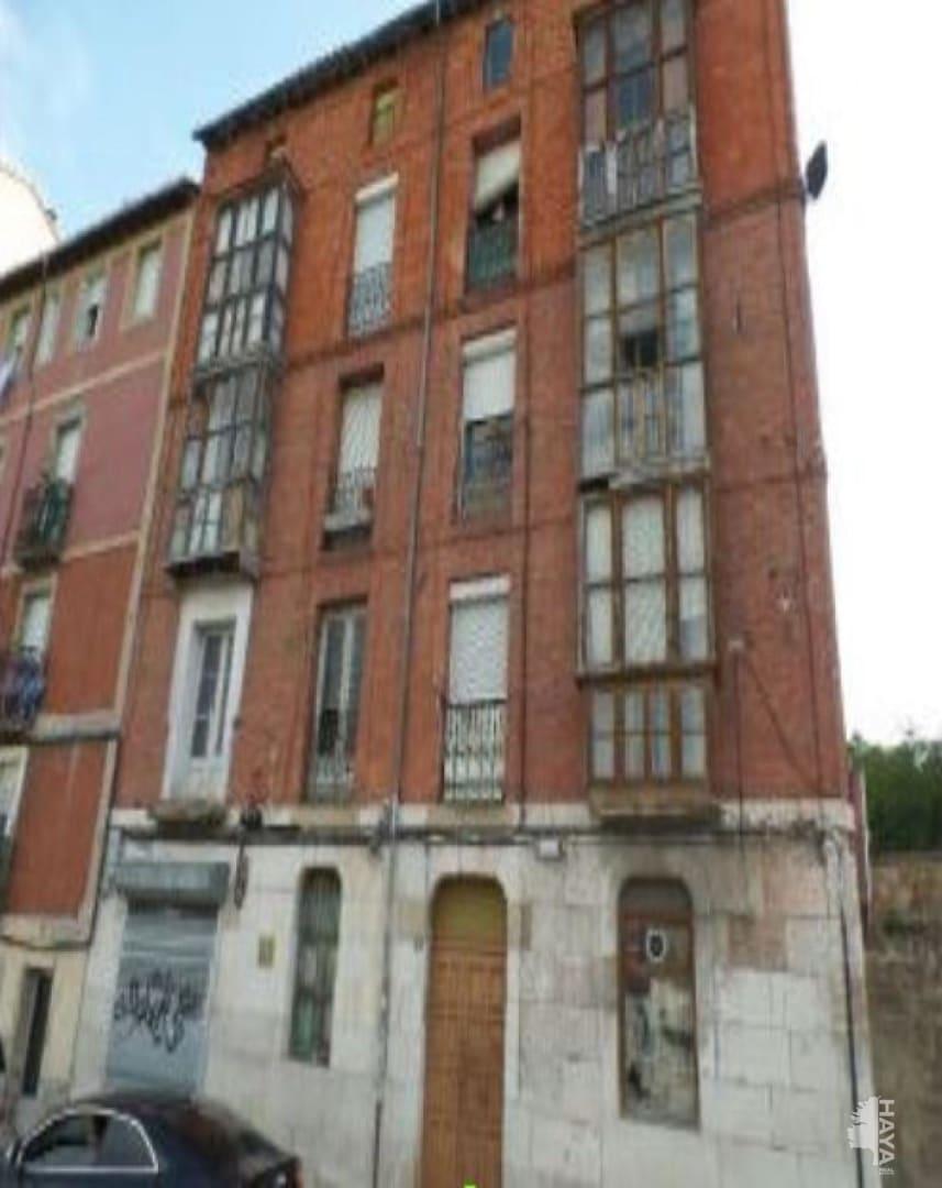 Piso en venta en Allende, Miranda de Ebro, Burgos, Calle Bilbao, 37.400 €, 3 habitaciones, 1 baño, 119 m2