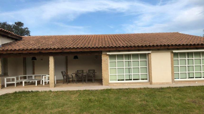 Casa en venta en Polígono Industrial la Viña, Ciudad Rodrigo, Salamanca, Carretera Voladero, 332.000 €, 3 habitaciones, 3 baños, 333 m2