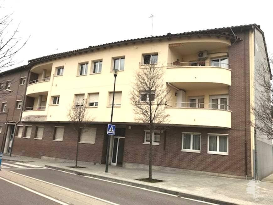 Piso en venta en Sant Hipòlit de Voltregà, Sant Hipòlit de Voltregà, Barcelona, Paseo Pares, 113.000 €, 3 habitaciones, 1 baño, 114 m2