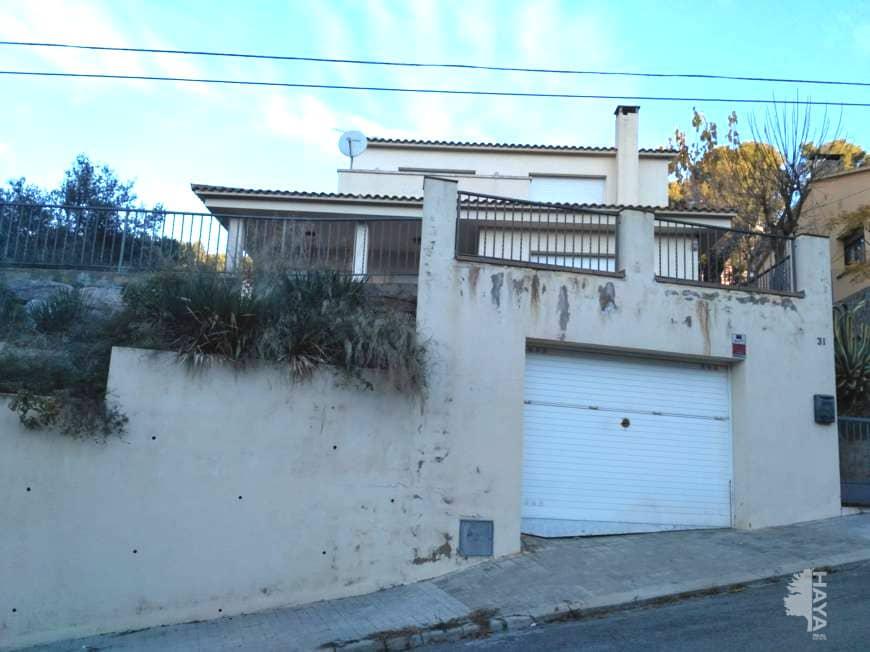 Piso en venta en Can Rodoreda, L` Ametlla del Vallès, Barcelona, Calle Tenes, 264.500 €, 6 habitaciones, 1 baño, 240 m2