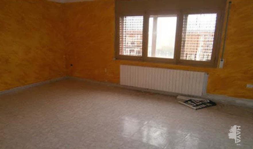 Piso en venta en La Colònia, Calaf, Barcelona, Calle Isidre Vilaró, 26.200 €, 3 habitaciones, 1 baño, 61 m2