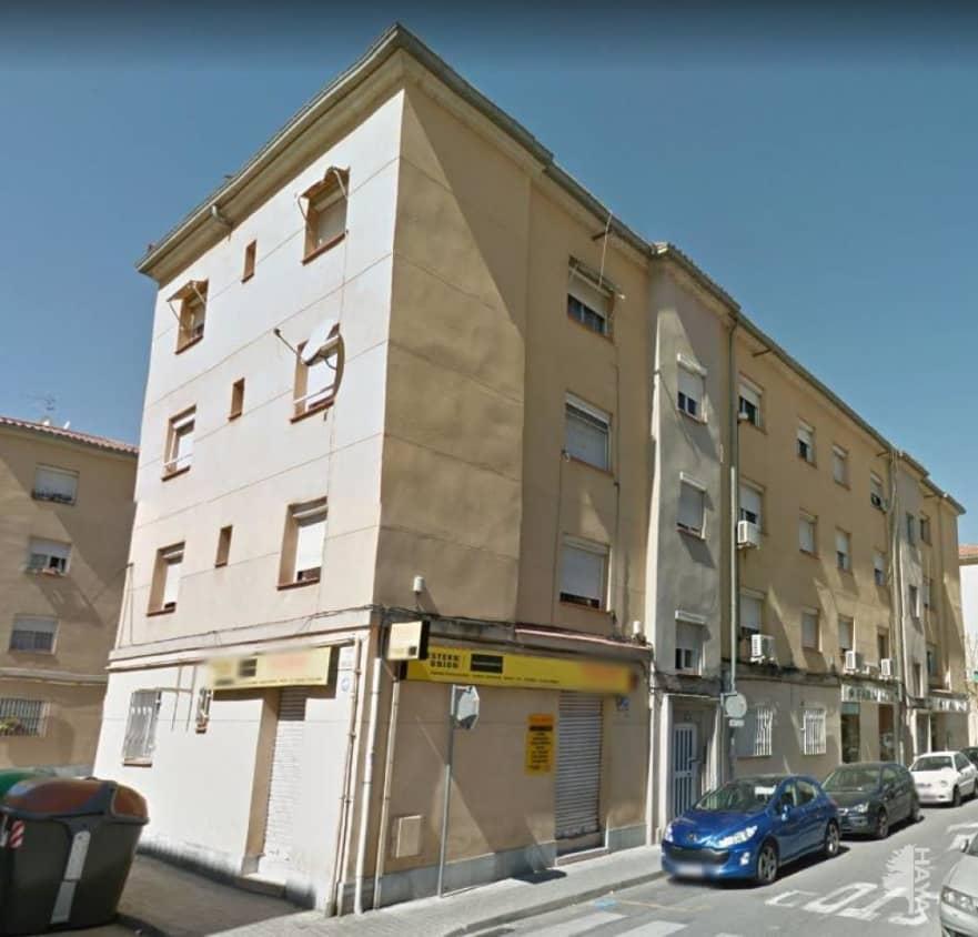 Piso en venta en Sabadell, Barcelona, Calle Campoamor, 42.700 €, 3 habitaciones, 1 baño, 73 m2