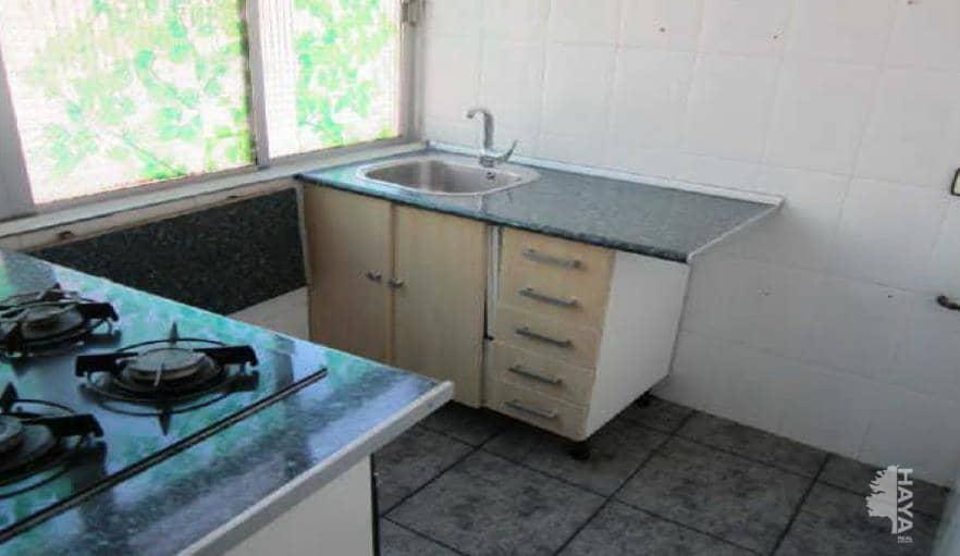 Piso en venta en Sabadell, Barcelona, Plaza Consol Oromir, 59.400 €, 3 habitaciones, 1 baño, 46 m2