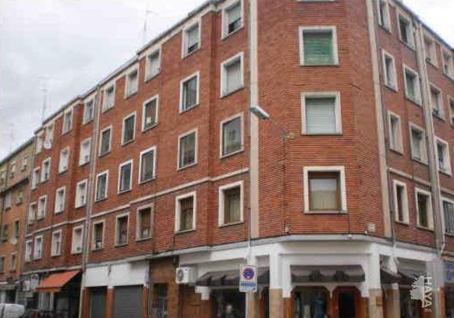 Piso en venta en Allende, Miranda de Ebro, Burgos, Calle Juan Ramon Jimenez, 40.000 €, 2 habitaciones, 1 baño, 75 m2