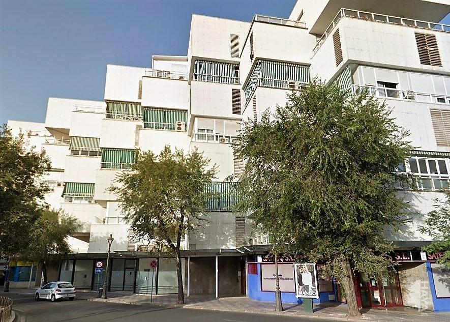 Local en venta en Distrito Poniente Sur, Córdoba, Córdoba, Avenida Republica Argentina, 485.048 €, 437 m2