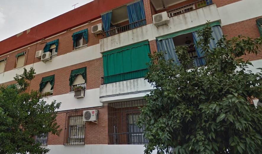 Piso en venta en Distrito Sureste, Córdoba, Córdoba, Calle Don Teodomiro, 85.000 €, 4 habitaciones, 2 baños, 96 m2