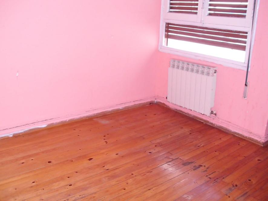 Piso en venta en Medinabella 2, Medina de Pomar, Burgos, Avenida Bilbao, 54.000 €, 3 habitaciones, 1 baño, 98 m2