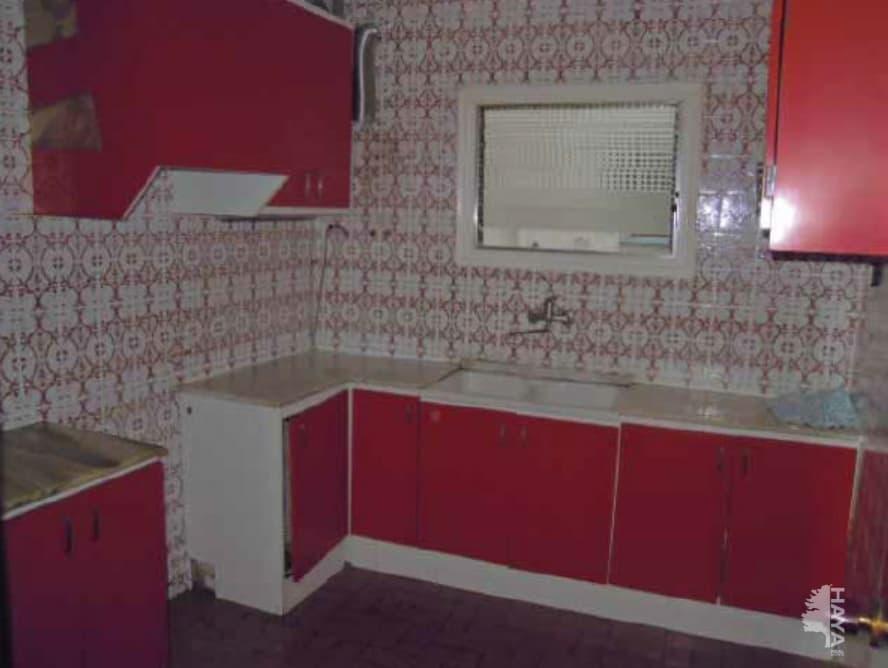 Piso en venta en Reus, Tarragona, Calle Pere de Lluna, 56.000 €, 4 habitaciones, 2 baños, 95 m2