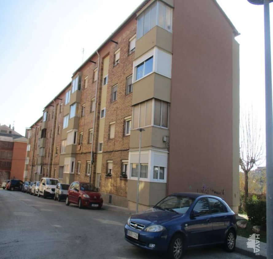 Piso en venta en Cal Rota, Berga, Barcelona, Calle Santa Eulalia, 73.500 €, 3 habitaciones, 1 baño, 81 m2