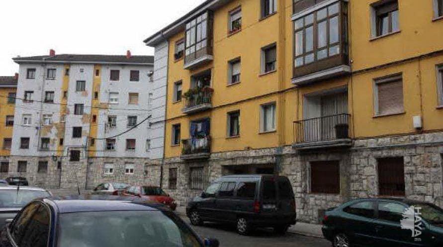 Piso en venta en San Lázaro Y Otero, Oviedo, Asturias, Calle Rio Porcia, 26.800 €, 3 habitaciones, 1 baño, 79 m2