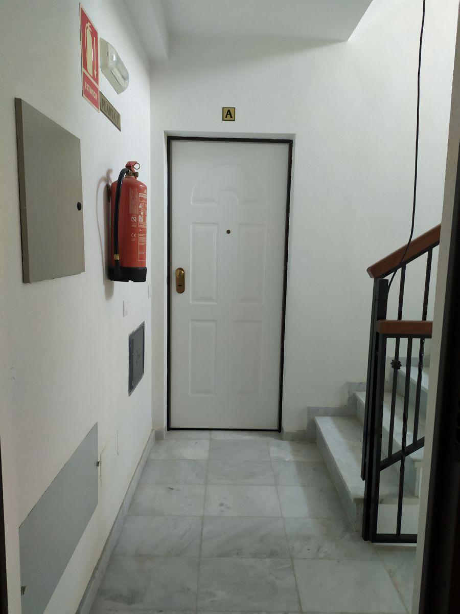 Piso en venta en 40004, Almería, Almería, Calle Nador, 55.000 €, 2 habitaciones, 1 baño, 86 m2