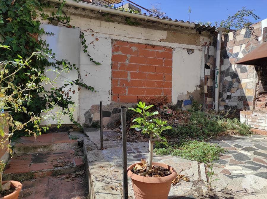 Casa en venta en Ca N`ustrell, Sabadell, Barcelona, Calle Llum de la Selva, 41.100 €, 3 habitaciones, 1 baño, 105 m2