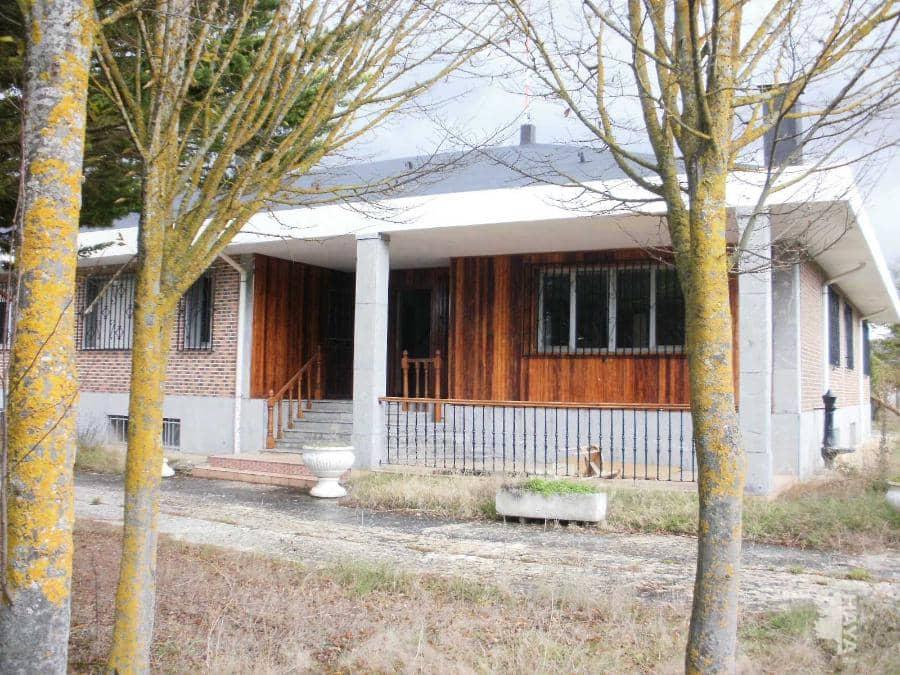 Casa en venta en Medina de Pomar, Burgos, Camino El Roncin, 357.000 €, 12 habitaciones, 6 baños, 889 m2