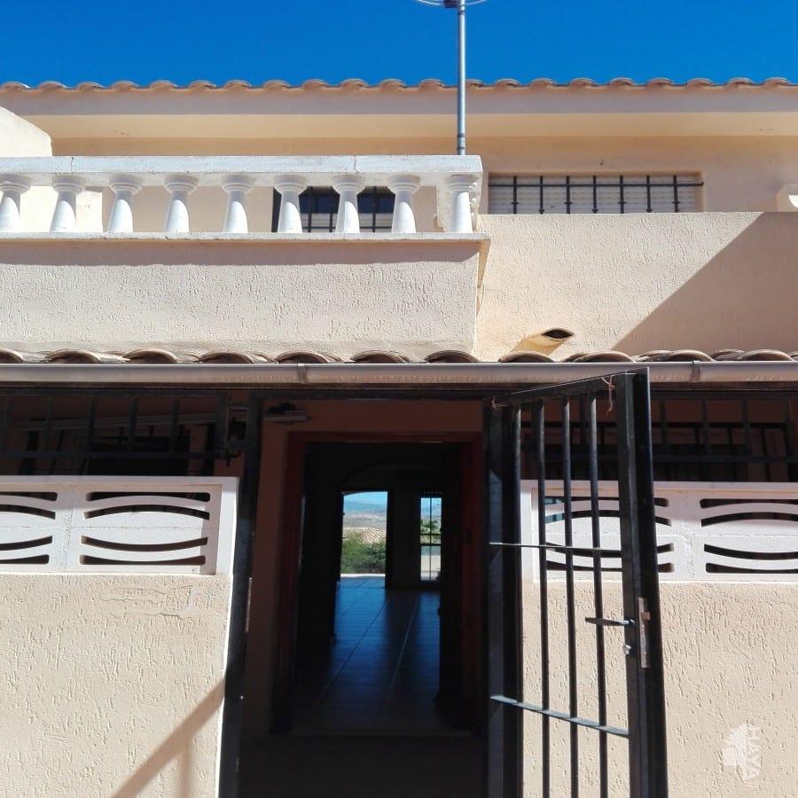 Casa en venta en El Campello, Alicante, Calle Oriola, 68.180 €, 2 habitaciones, 1 baño, 73 m2