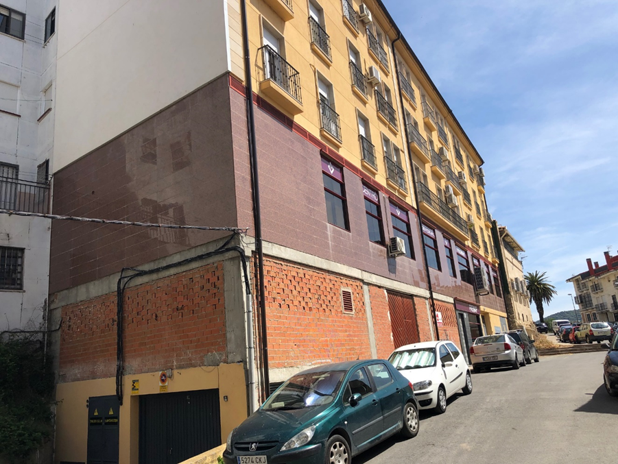 Local en venta en La Ribera - San Lázaro, Plasencia, Cáceres, Avenida Calvo Sotelo, 102.500 €, 352 m2