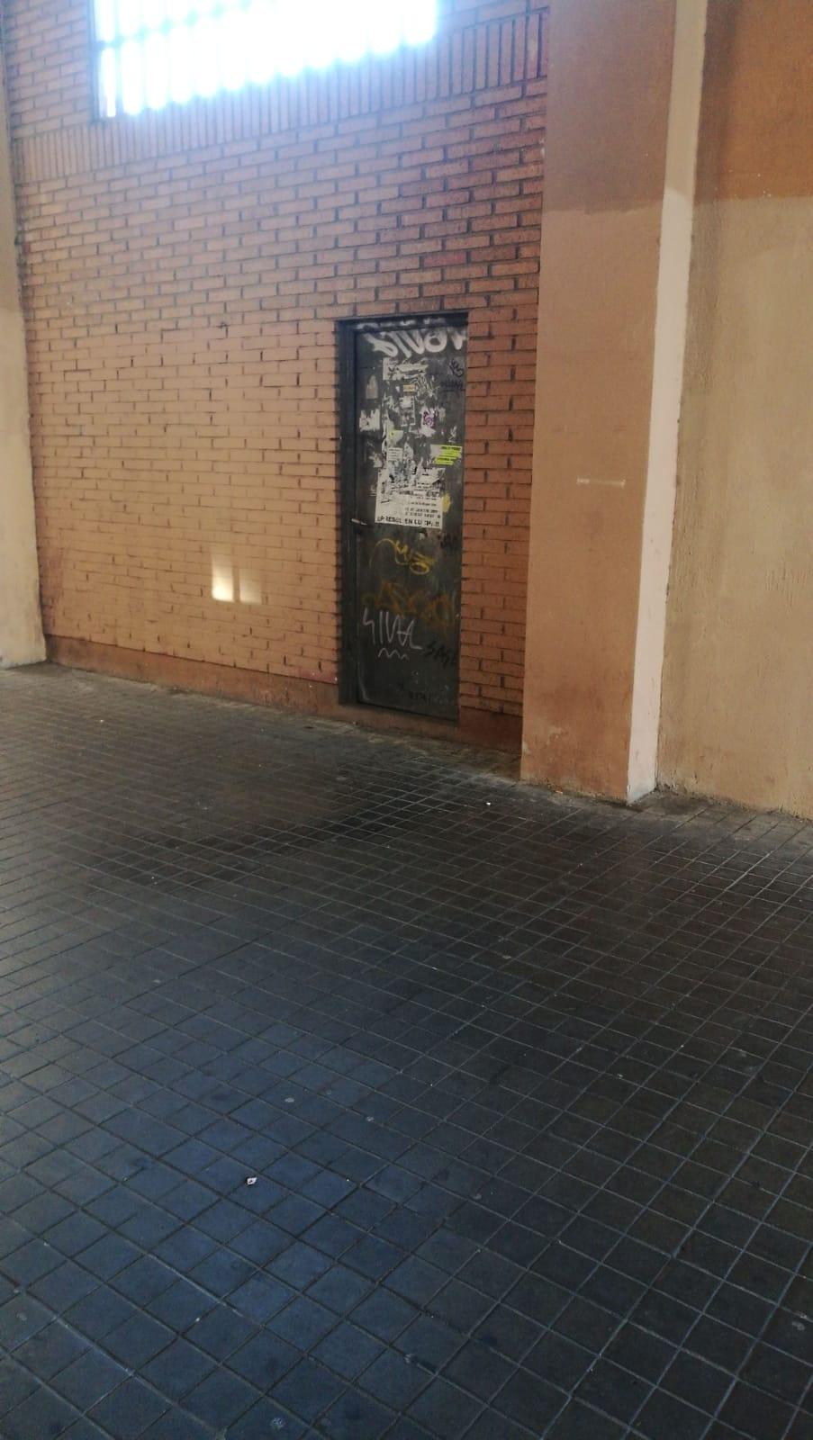 Local en venta en Valladolid, Valladolid, Calle San Isidro, 72.700 €, 101 m2