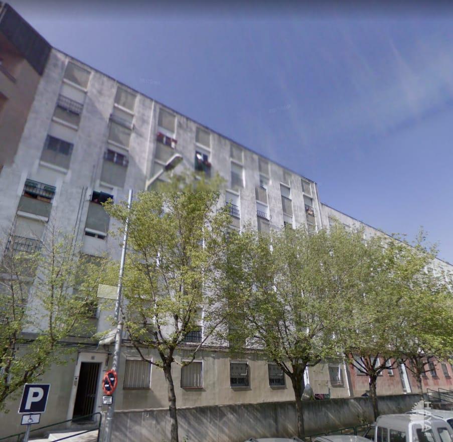 Piso en venta en Manlleu, Barcelona, Calle Pintor Guardia, 47.595 €, 4 habitaciones, 1 baño, 83 m2