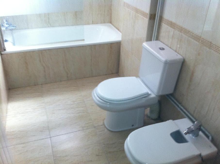 Piso en venta en Les Tres Creus, Manresa, Barcelona, Calle Llum, 42.525 €, 3 habitaciones, 1 baño, 75 m2