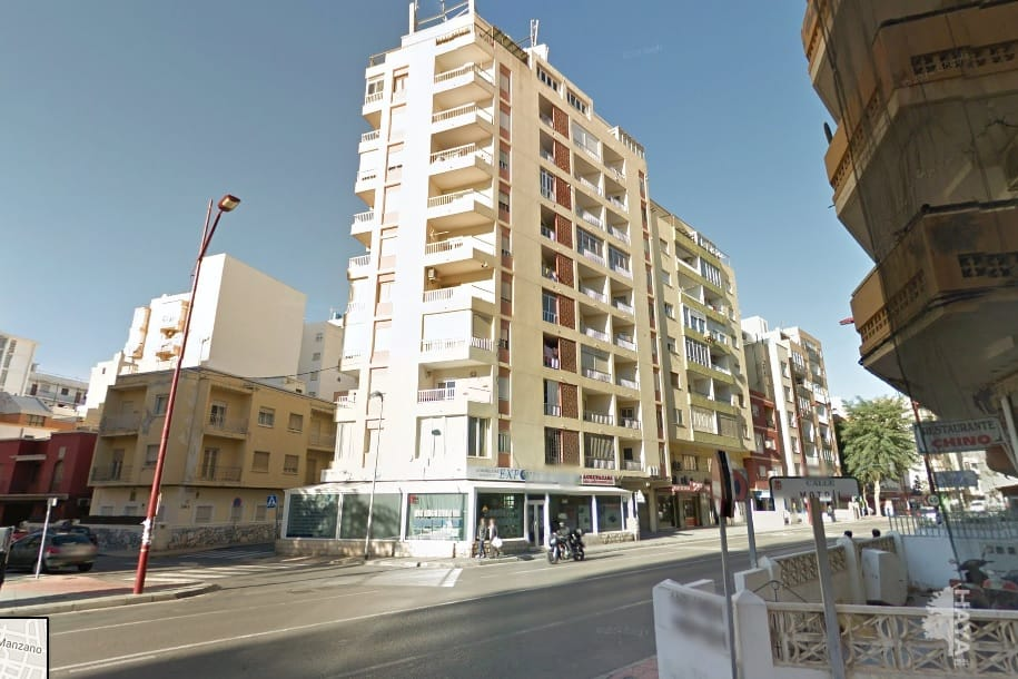 Piso en venta en Almería, Almería, Carretera Cabo de Gata, 163.056 €, 4 habitaciones, 2 baños, 125 m2