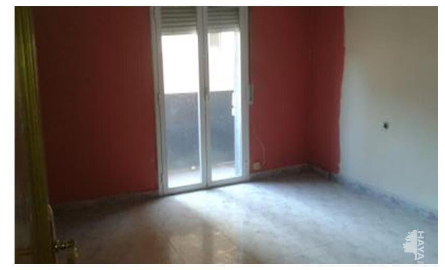 Piso en venta en Centre Històric, Lleida, Lleida, Calle Pau Claris, 48.600 €, 3 habitaciones, 1 baño, 79 m2