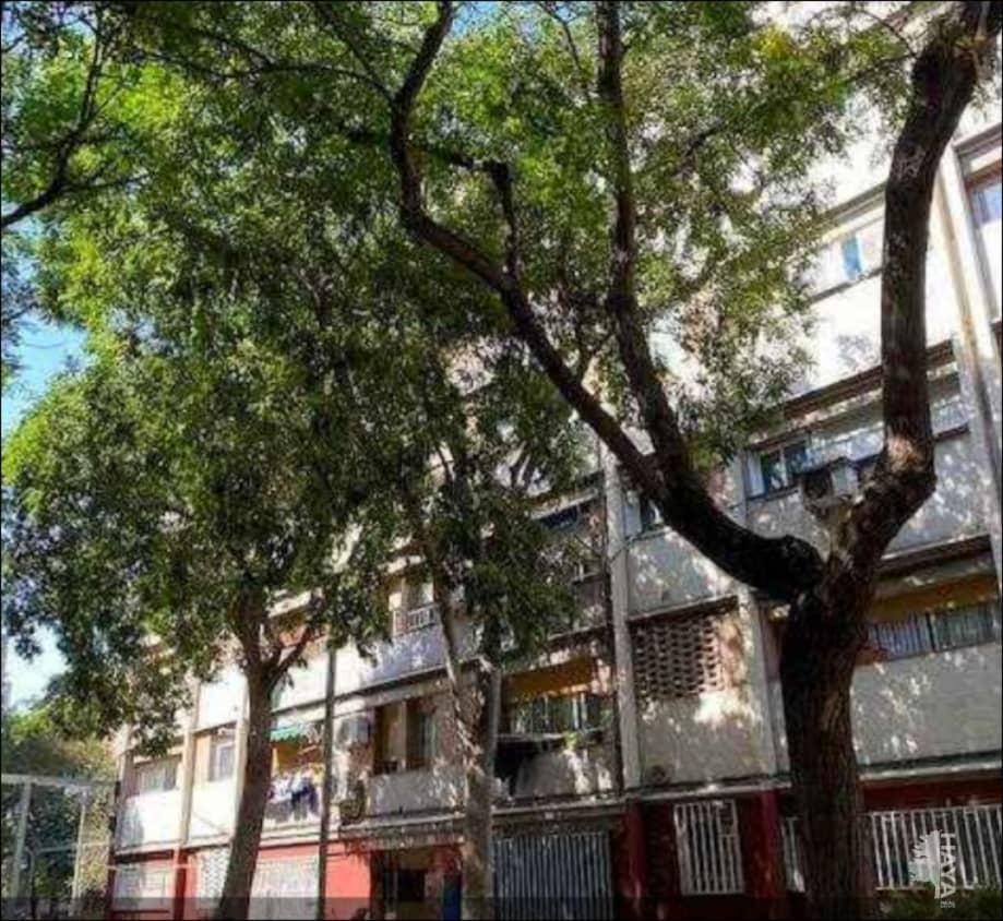 Piso en venta en Sant Martí, Barcelona, Barcelona, Calle Oristany, 89.500 €, 3 habitaciones, 1 baño, 43 m2