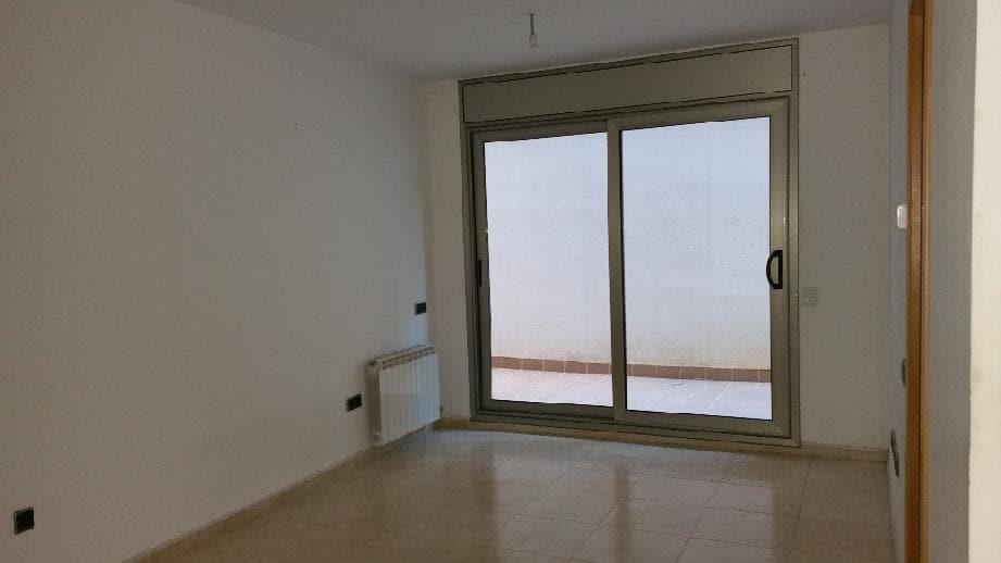 Piso en venta en Centre Històric de Manresa, Manresa, Barcelona, Calle Mestre Albages, 84.800 €, 2 habitaciones, 1 baño, 68 m2