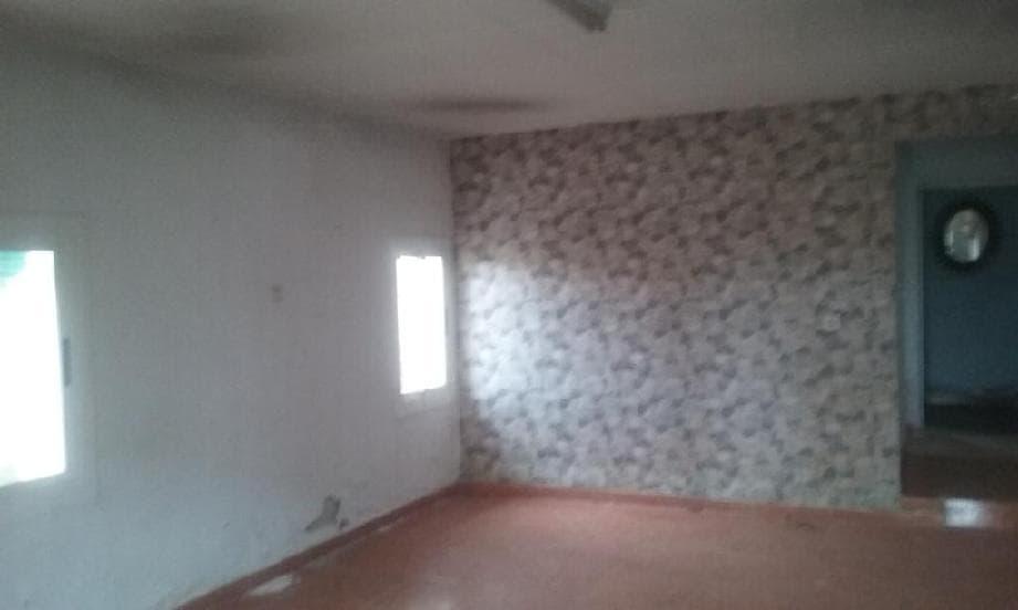 Casa en venta en Tordera, Barcelona, Urbanización Can Domenech, 125.000 €, 5 habitaciones, 2 baños, 179 m2