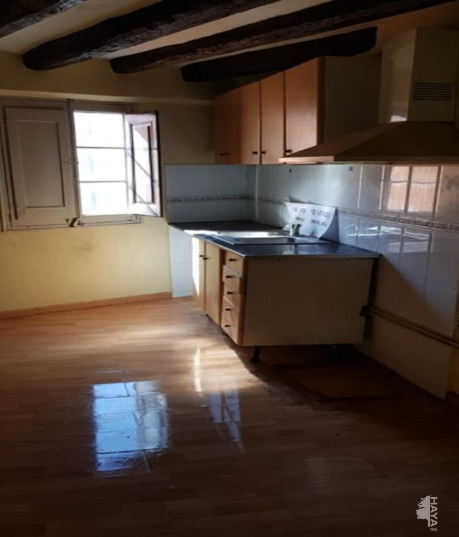 Piso en venta en Cal Rota, Berga, Barcelona, Calle Cardona, 19.944 €, 3 habitaciones, 1 baño, 72 m2