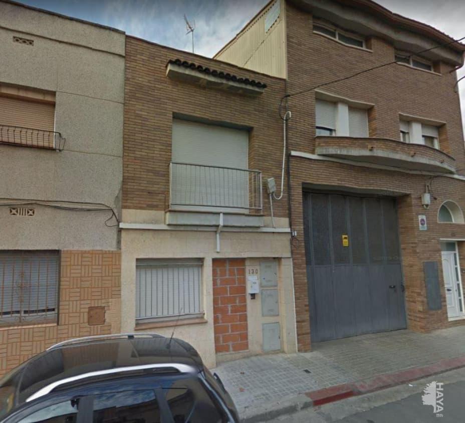 Casa en venta en Parc Central, Sabadell, Barcelona, Calle Salvador Segui-noi del Sucre, 220.000 €, 3 habitaciones, 2 baños, 154 m2