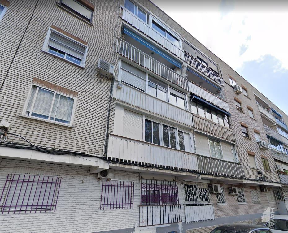 Piso en venta en La Laguna, Parla, Madrid, Calle Santander, 99.225 €, 3 habitaciones, 1 baño, 69 m2