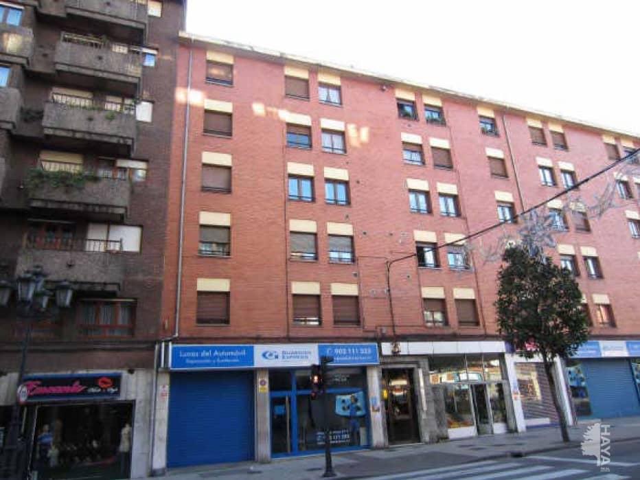 Piso en venta en San Lázaro Y Otero, Oviedo, Asturias, Calle Tenderina Baja, 50.000 €, 3 habitaciones, 1 baño, 89 m2