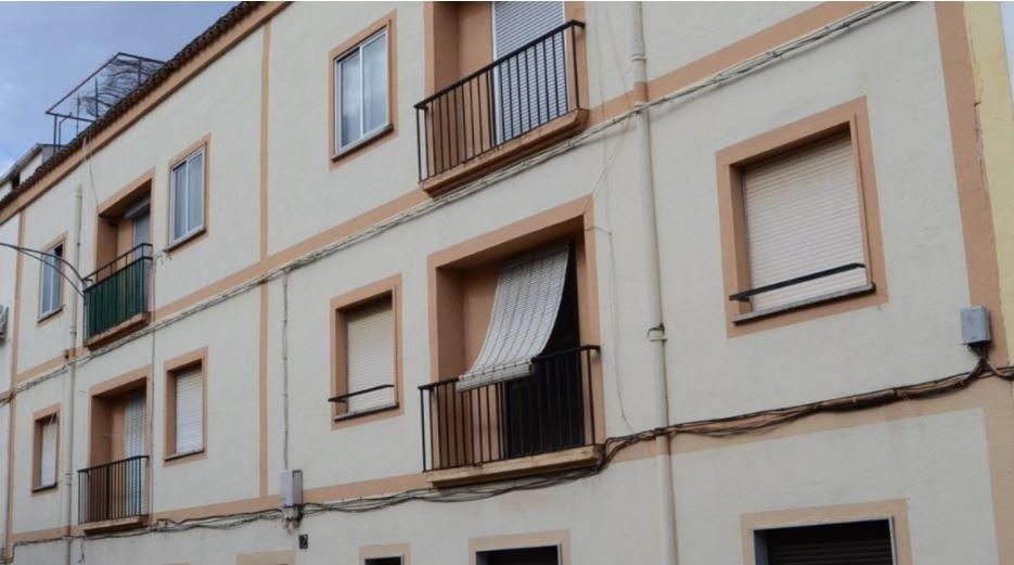 Piso en venta en Polígono Industrial la Viña, Ciudad Rodrigo, Salamanca, San Pelayo, 40.000 €, 4 habitaciones, 1 baño, 98 m2