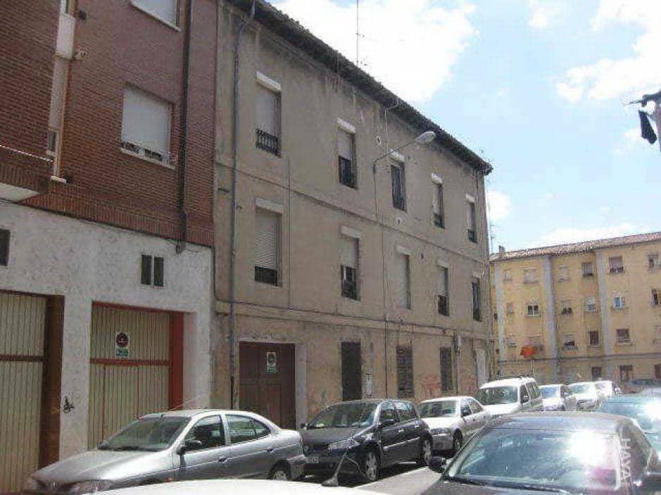 Piso en venta en Aquende, Miranda de Ebro, Burgos, Calle Reyes Catolicos, 98.300 €, 4 habitaciones, 1 baño, 144 m2