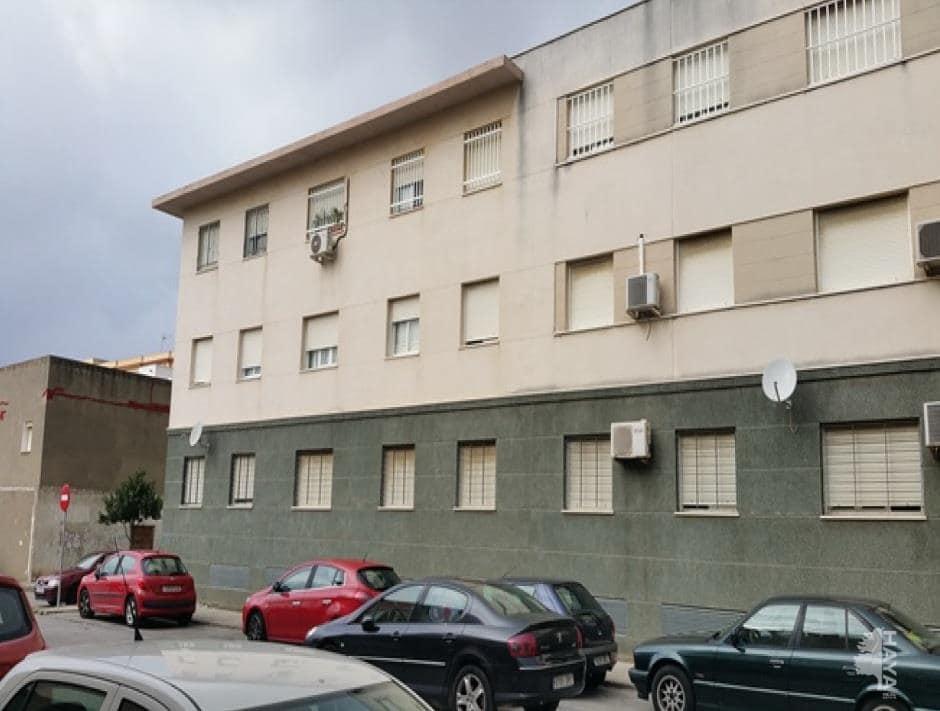 Piso en venta en Algeciras, Cádiz, Calle Victoria Eugenia, 73.200 €, 3 habitaciones, 1 baño, 66 m2