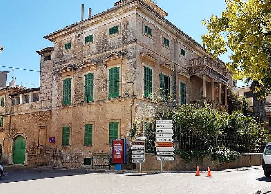 Casa en venta en Sa Pobla, españa, Calle Antoni Maura, 2.244.262 €, 6 habitaciones, 5 baños, 1700 m2