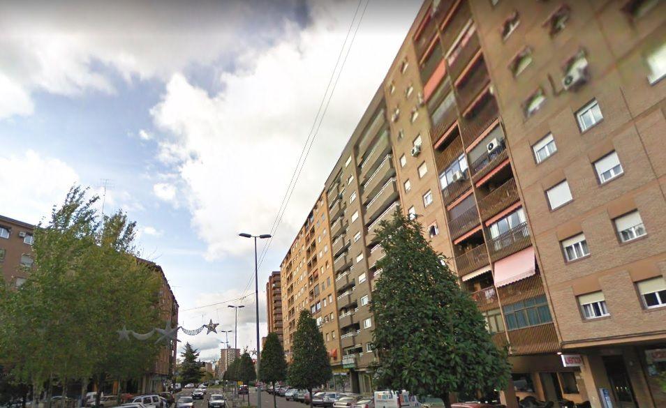 Piso en venta en 50690, Talavera de la Reina, Toledo, Avenida Juan Carlos I, 160.000 €, 4 habitaciones, 3 baños, 141 m2