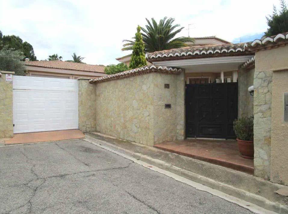 Casa en venta en Bétera, españa, Calle Esmeralda, 1.488.603 €, 6 habitaciones, 3 baños, 718 m2