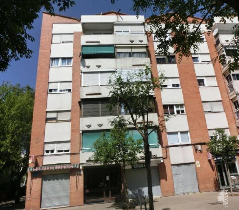 Piso en venta en La Florida, Santa Perpètua de Mogoda, Barcelona, Plaza Can Folguera, 73.200 €, 3 habitaciones, 1 baño, 79 m2