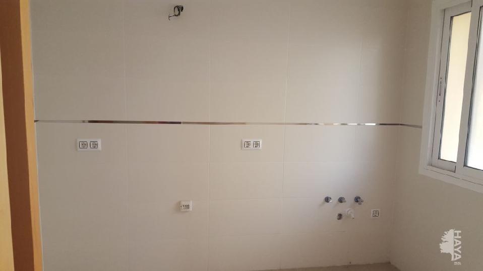 Piso en venta en Almería, Almería, Calle Medinas, 60.300 €, 2 habitaciones, 1 baño, 83 m2
