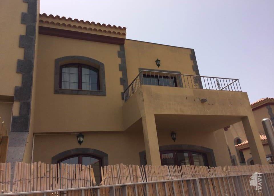 Casa en venta en El Llanillo, San Bartolomé de Tirajana, Las Palmas, Urbanización Mangolf, 395.100 €, 3 habitaciones, 3 baños, 144 m2