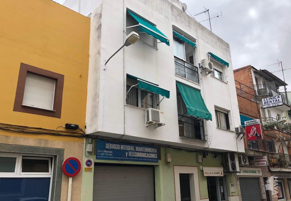 Piso en venta en Badajoz, Badajoz, Calle El Jilguero, 59.789 €, 3 habitaciones, 2 baños, 107 m2