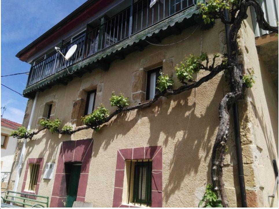 Casa en venta en Junta de Traslaloma, Burgos, Calle la Aldea, 69.000 €, 4 habitaciones, 2 baños, 267 m2