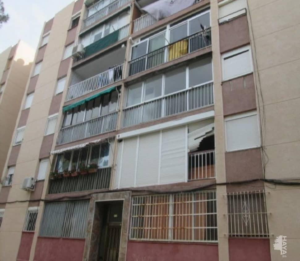 Piso en venta en Sant Salvador, Tarragona, Tarragona, Avenida Pins (dels), 28.900 €, 3 habitaciones, 1 baño, 69 m2