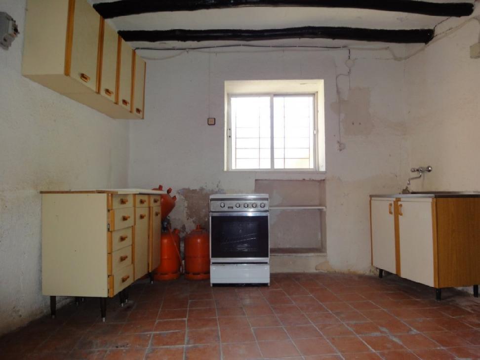 Casa en venta en Paracuellos de Jiloca, españa, Calle Cuevas, 10.532 €, 3 habitaciones, 1 baño, 81 m2