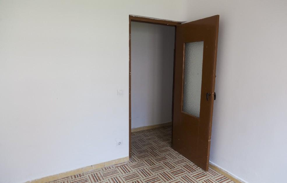 Piso en venta en Piso en Briviesca, Burgos, 16.000 €, 2 habitaciones, 2 baños, 81 m2