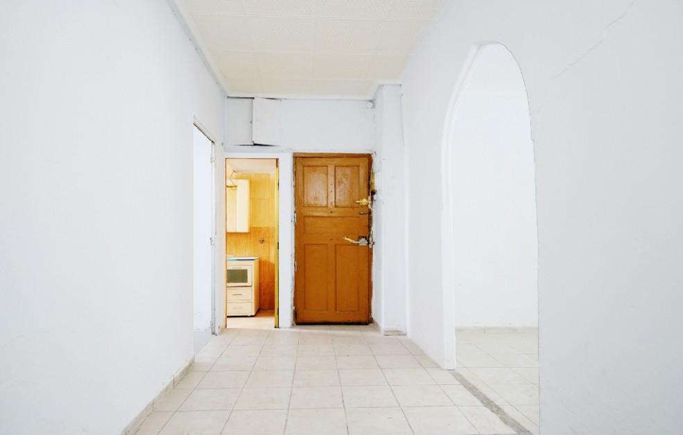 Piso en venta en Piso en Zaragoza, Zaragoza, 68.000 €, 2 habitaciones, 1 baño, 77 m2