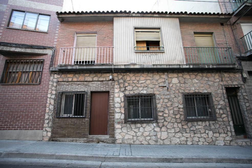Casa en venta en Casa en Zaragoza, Zaragoza, 148.000 €, 5 habitaciones, 2 baños, 199 m2