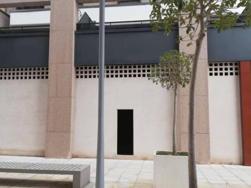 Local en venta en Local en Almería, Almería, 254.000 €, 233 m2