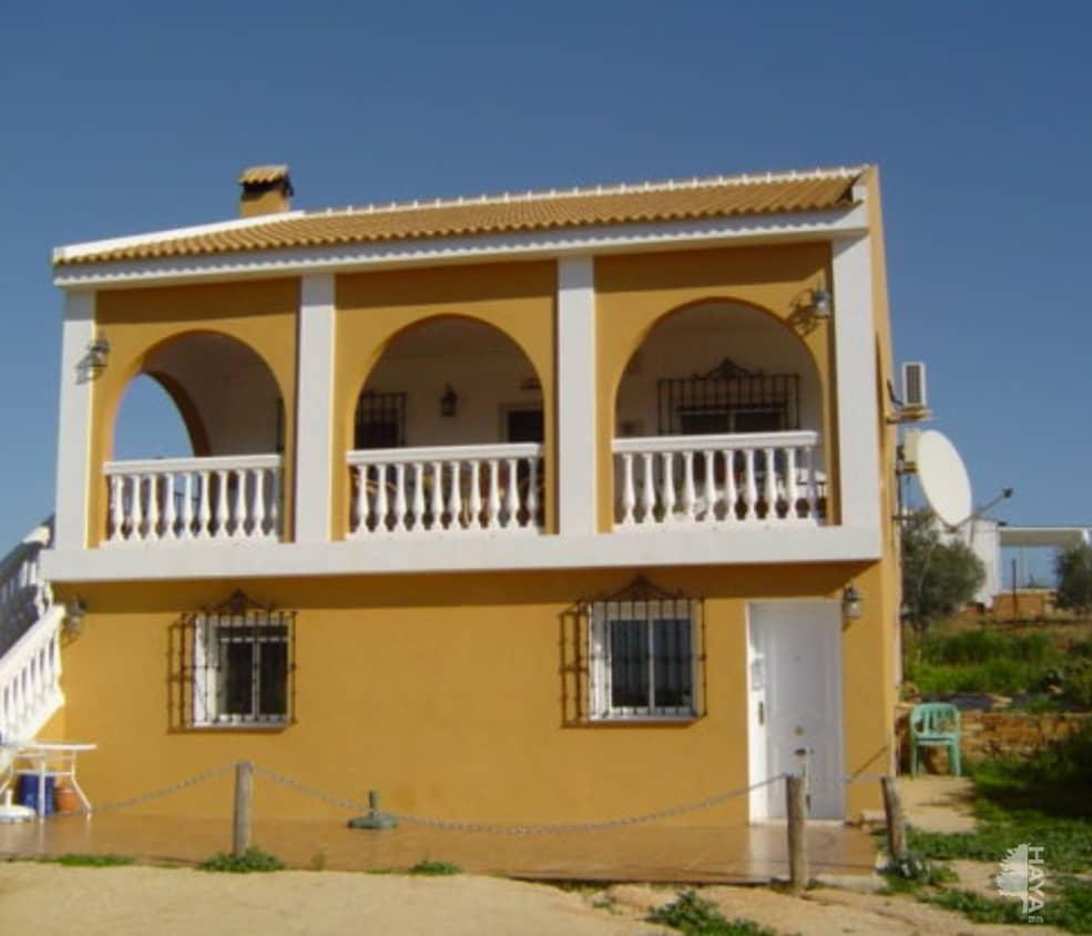 Casa en venta en La Palma del Condado, Huelva, Calle Lugar Saucejo El, 128.000 €, 3 habitaciones, 1 baño, 153 m2